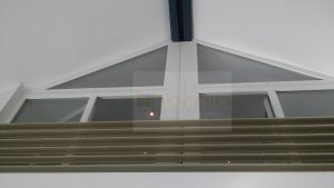 Háromszög ablak beépítés