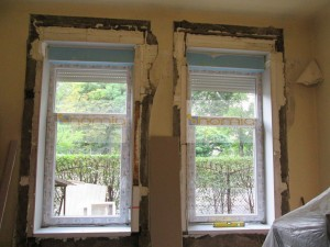 Műanyag ablak+felsőtokos redőny