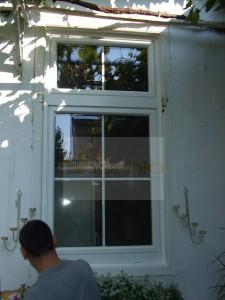 Fehér osztásos ablak