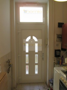 V5 panelos ajtó+légbevezető