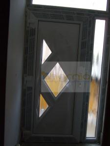 S4 panelos ajtó csincsilla üveggel+oldalvilágító
